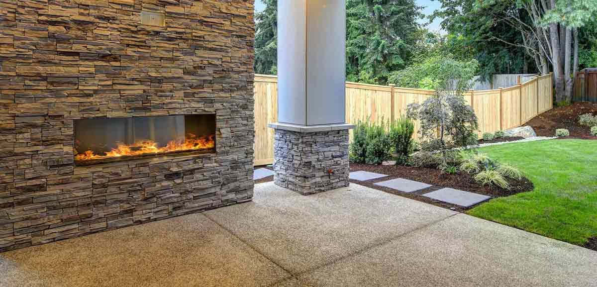 Outdoor living space - fireplace and hardscaping