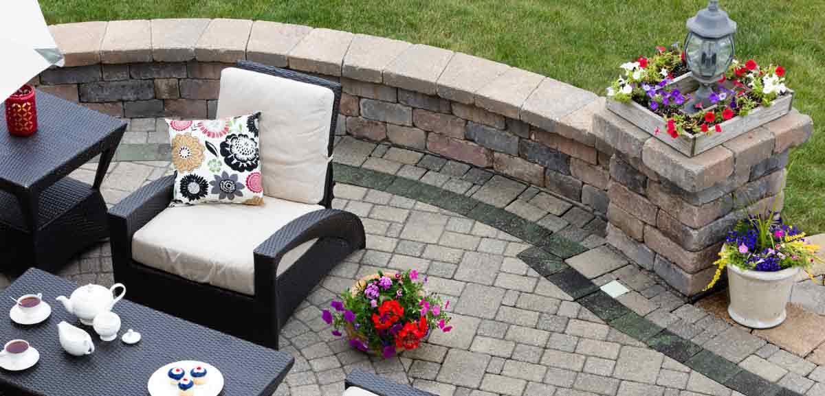 Paver patio and seat wall