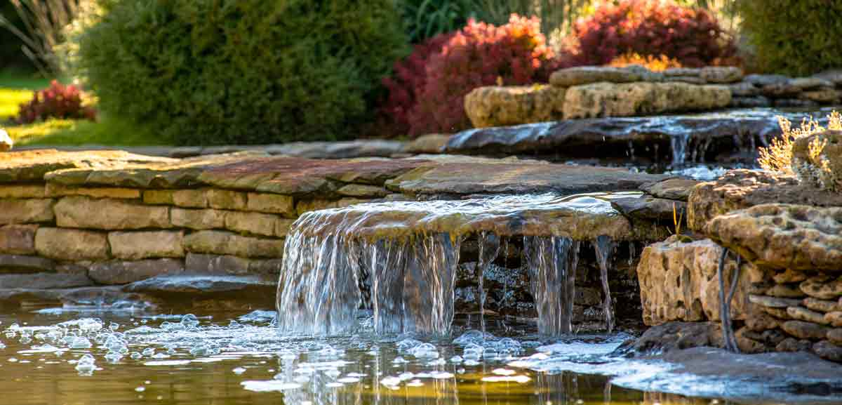 Water feature with walland waterfall